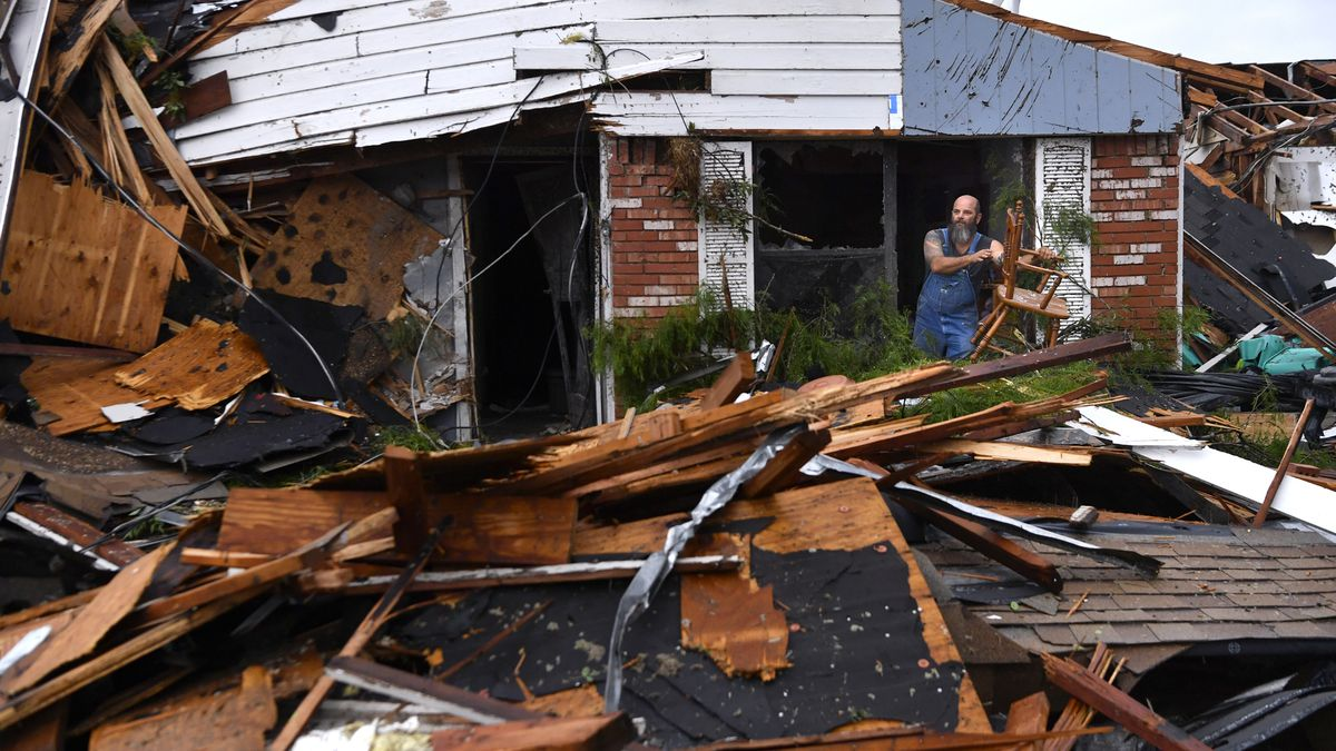 Tornadoes tear through Southern Plains; more severe weather expected