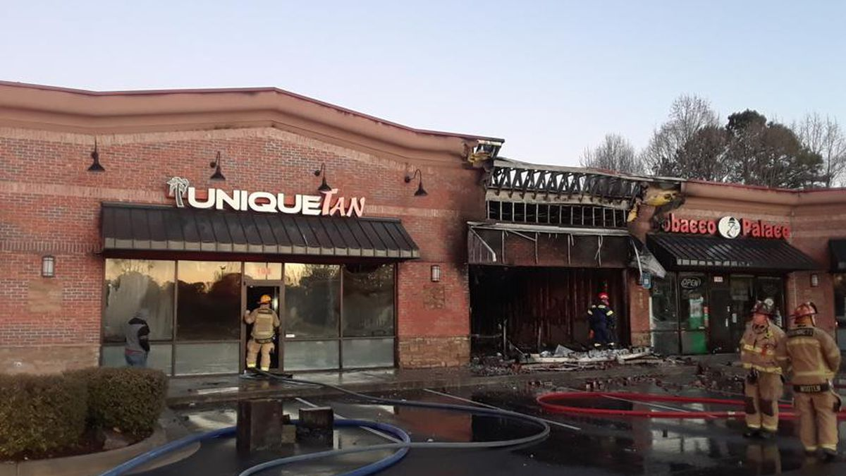 Fire destroys business at Gwinnett shopping center, damages 3 others