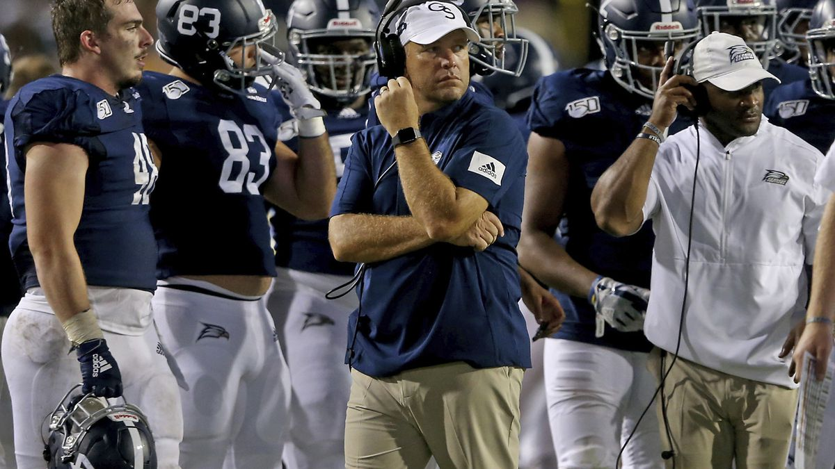 WATCH: Georgia Southern, Coastal Carolina penalized for dancing