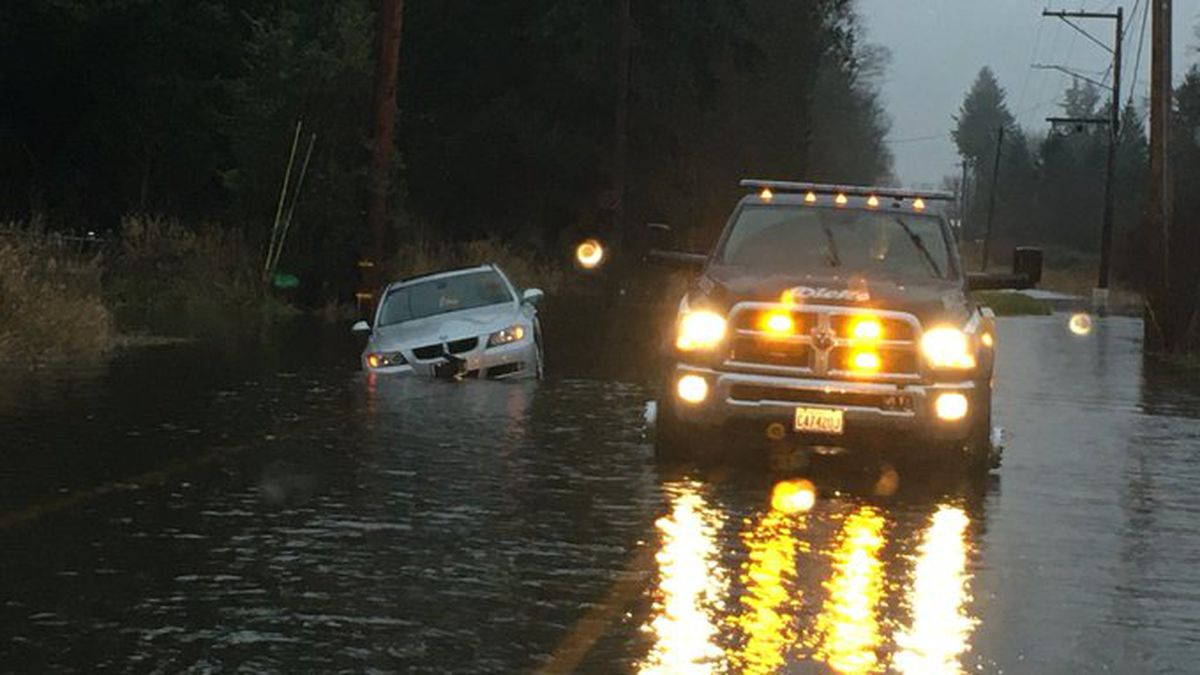 Here's what you need to know about driving when there's heavy rain