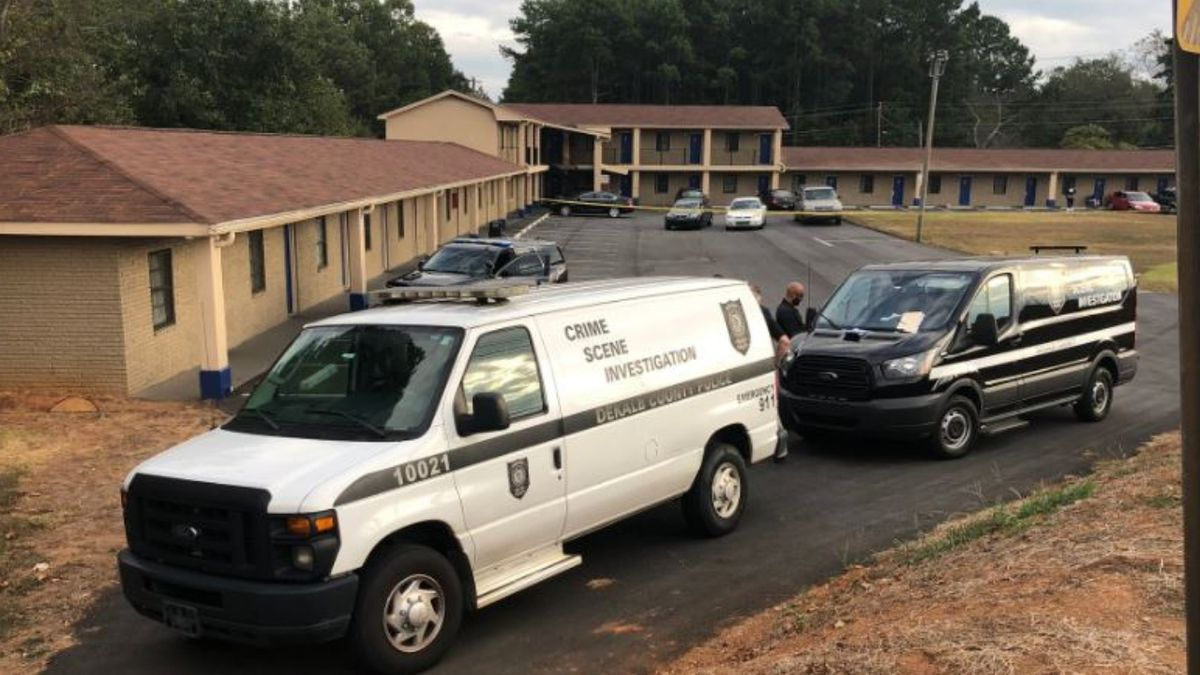 1 dead, 1 injured in shooting at DeKalb County motel, police say