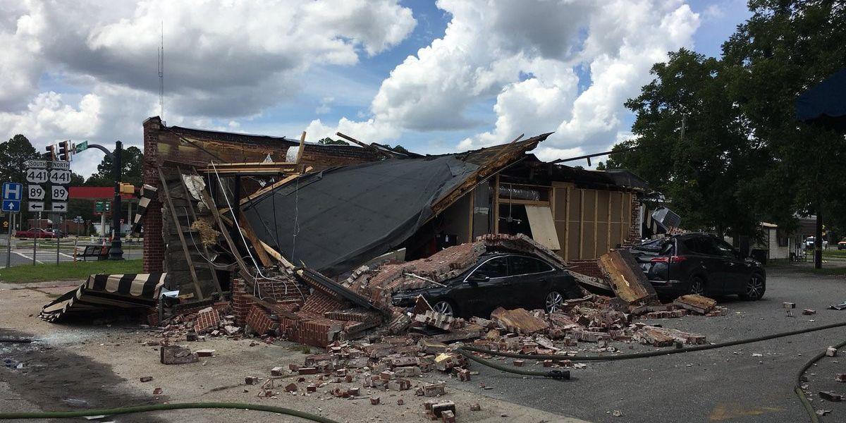 Explosion destroys coffee shop, injures 3 in rural Georgia