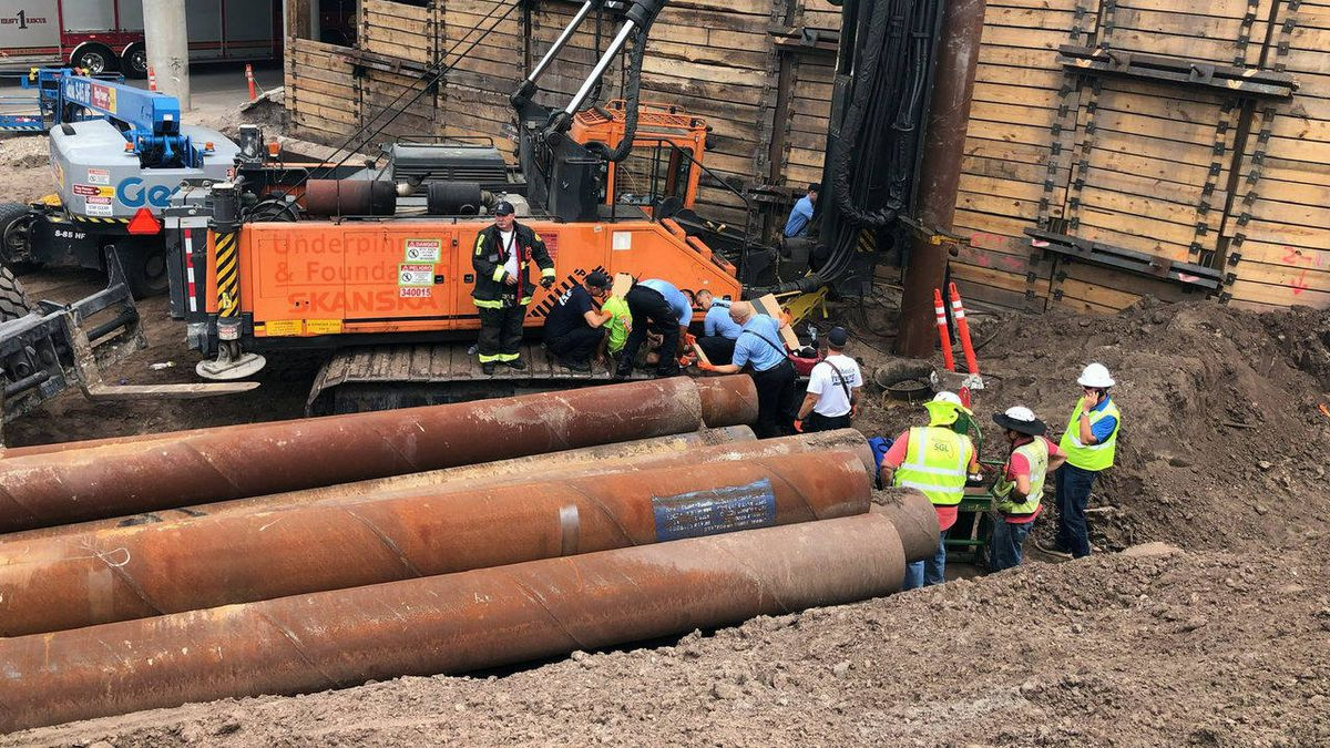 Florida construction worker struck by 7,000-pound pipe in downtown Orlando