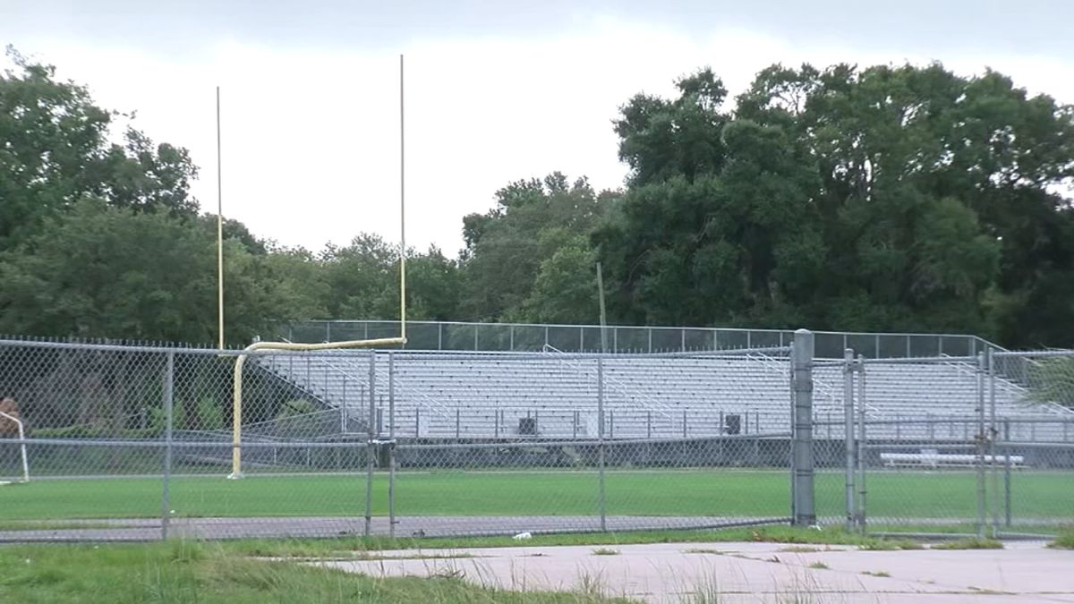 Teenager collapses, dies on football field during drills
