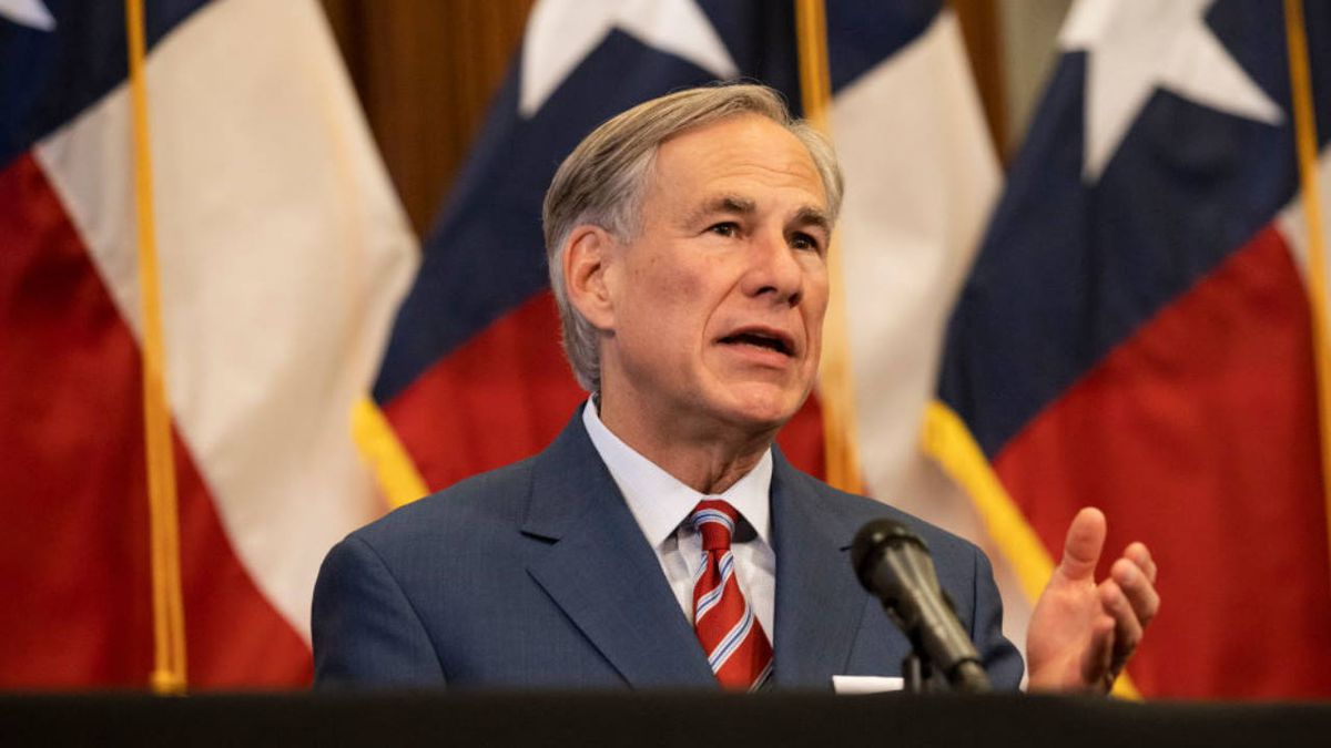 Coronavirus: Texas governor orders all residents to wear face coverings