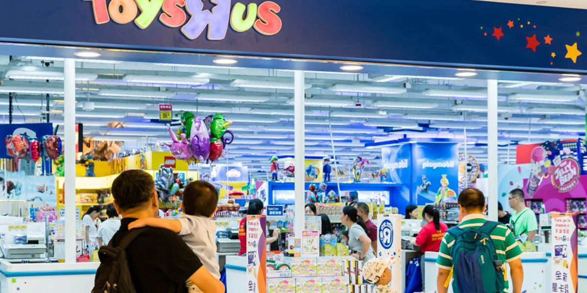Toys R Us plans on making comeback in time for the holidays