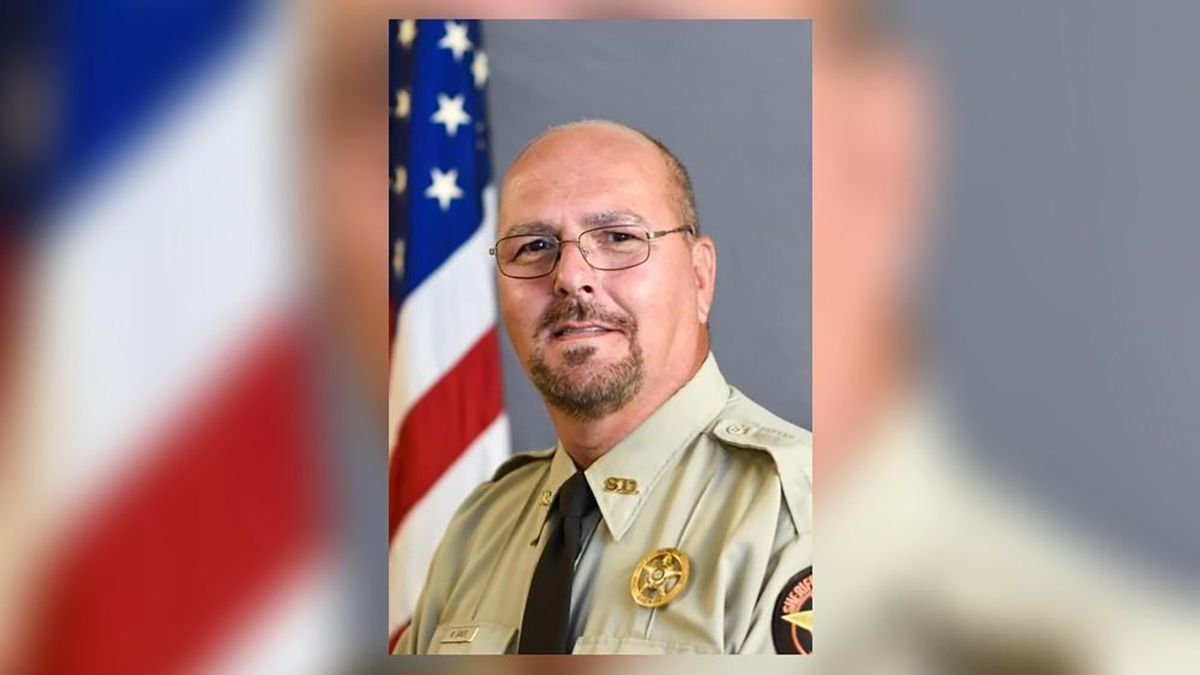 His wife is in remission. Now, Georgia deputy faces his own battle with cancer