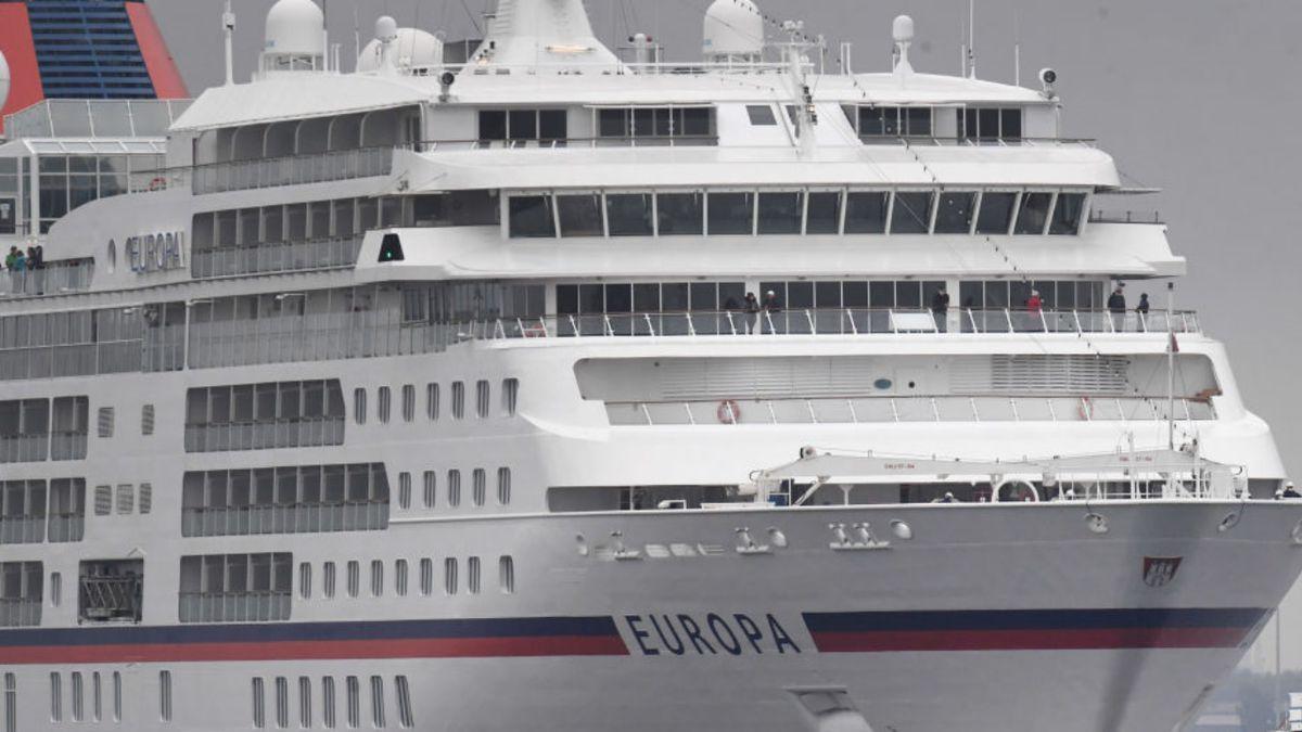 Coronavirus: CDC lifts ban on cruises with new sailing protocols