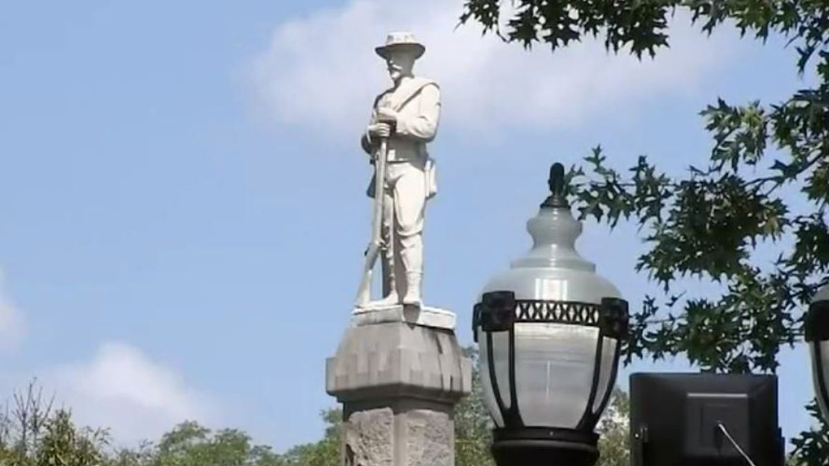Another metro county OKs Confederate monument removal