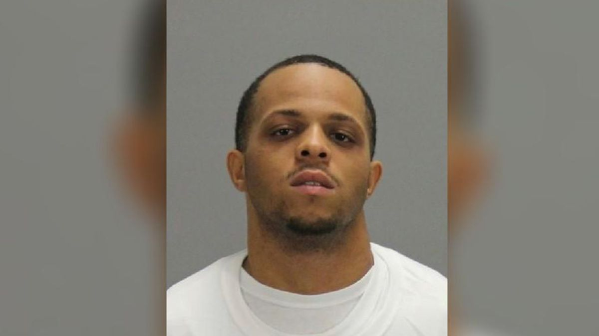 Suspect in deadly Thanksgiving shooting surrenders