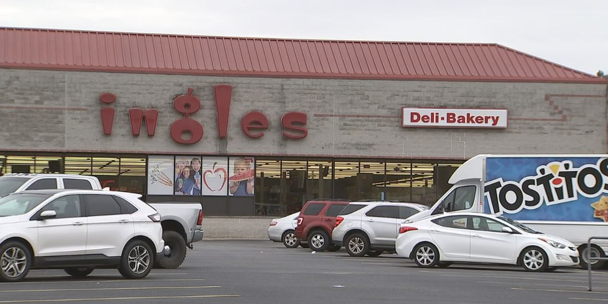 Ingles manager fires shot during armed robbery