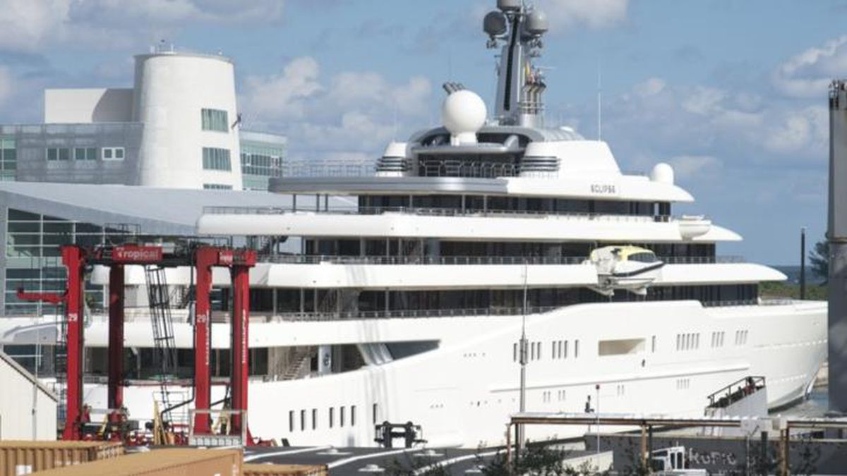 'Purely disgusting': How luxury yacht vacation for black travelers allegedly went adrift
