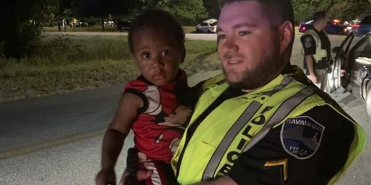 Georgia officer, dad-to-be helps buy young mom new car seats for twins