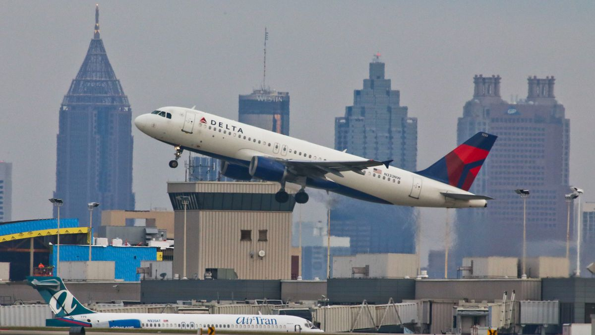 Delta flight from Atlanta to Seattle diverted over engine issue