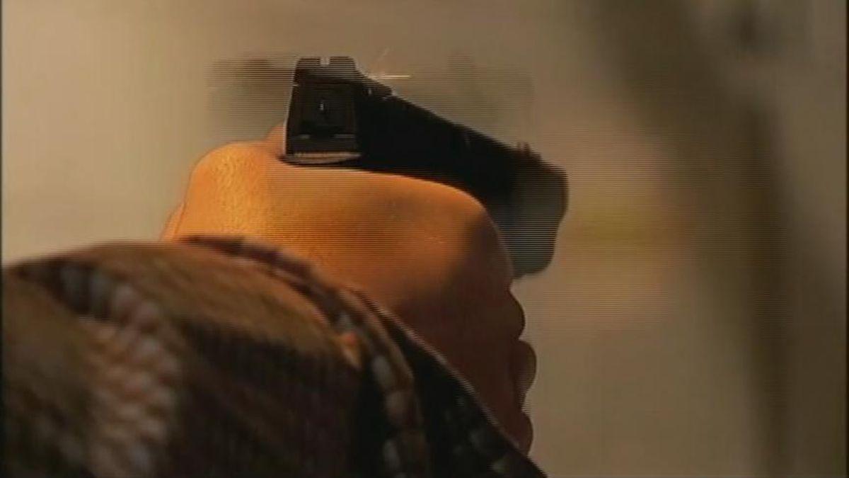Lawmakers face midnight deadline on college gun carry bill