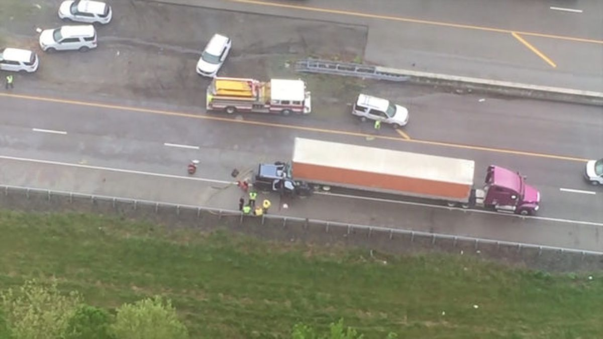 5 from Tennessee killed in interstate crash on the way to funeral