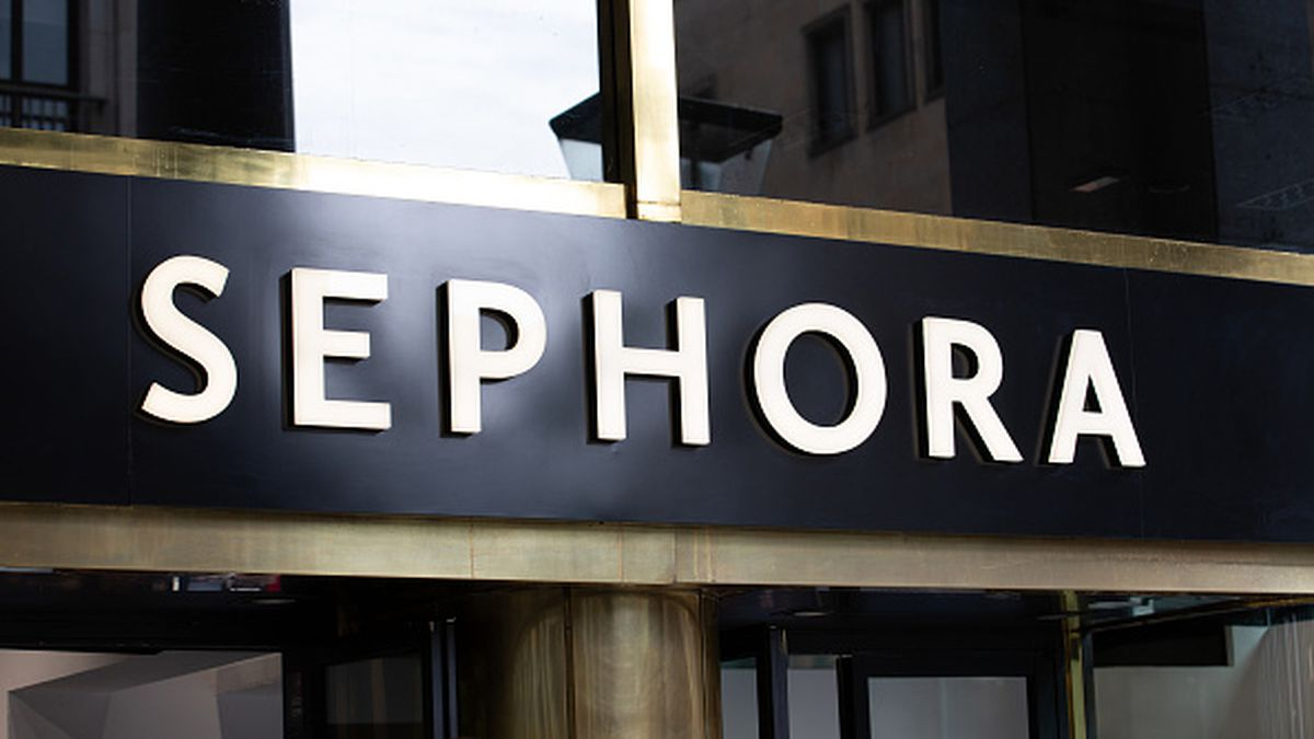 Sephora to close all stores today