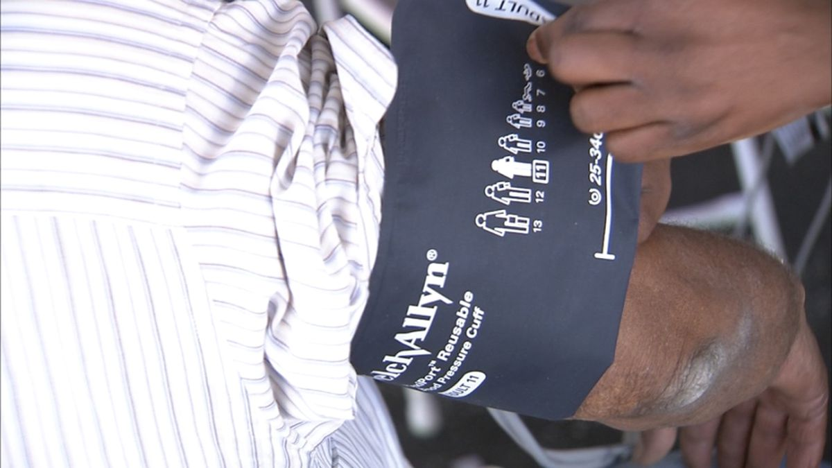 Homeless veterans given comfort bags, haircuts, medical care