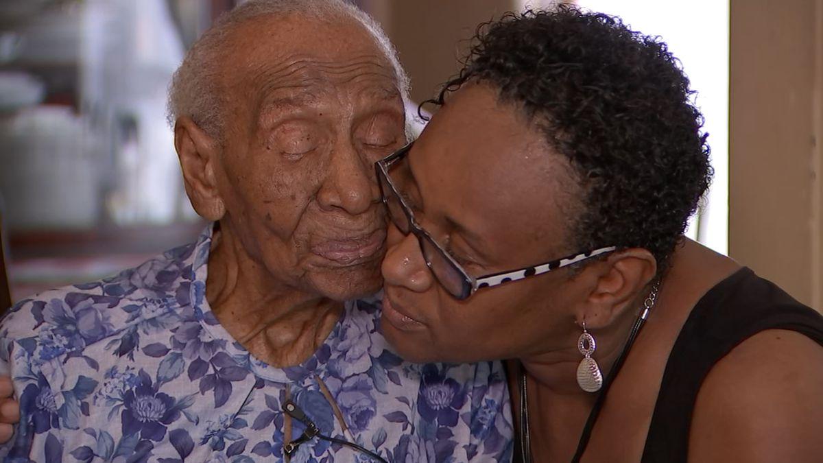 111-year-old Atlanta woman who met Michelle Obama dies