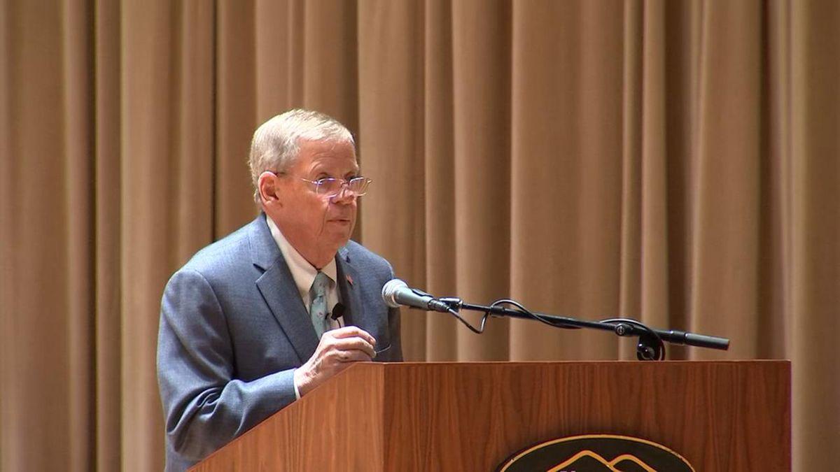 GOP Senator Johnny Isakson breaks with president on border policy