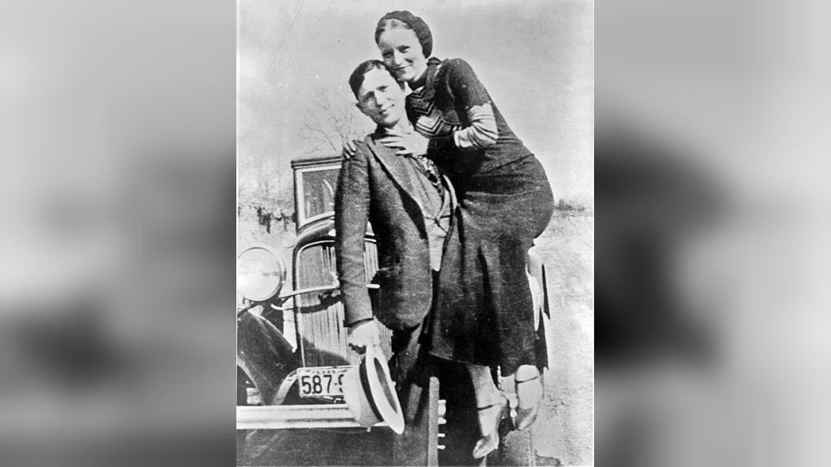 Bonnie & Clyde related items sell for $186K at auction